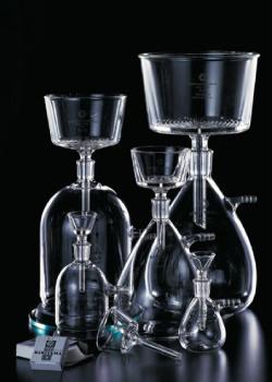 世界的有名ブランドから理化学研究者まで!頼られる技術力と提案力を持つガラスの魔術師に会ってきました!