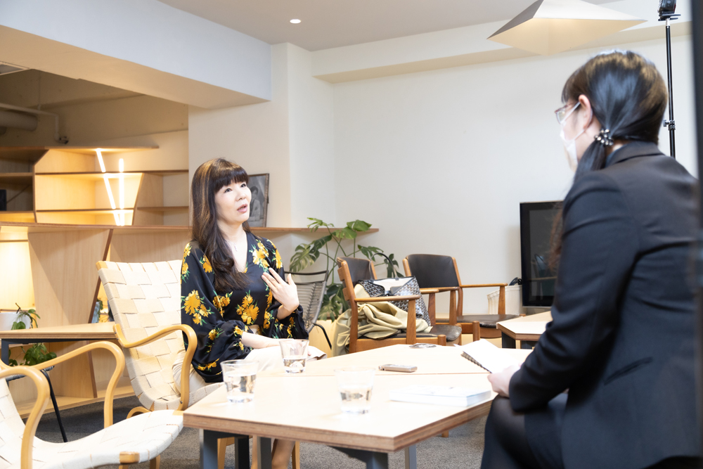 NY修業で獲得したコミュニケーション術で日本人のビジネス意識を問う ~グローコム 岡本純子氏インタビュー